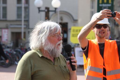 """Robert Jarowoy 2011 bei einer Aktion von """"Lux & Konsorten"""", einer der Vorgänger-Organisationen der fux eG Foto: Theo Bruns"""
